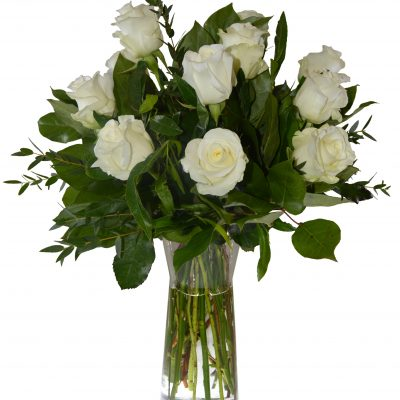ramo-12-rosas-blancas-con-jarron-46e-media-docena-de-rosas-blancas-es-un-arreglo-de-flores-perfecto-para-cualquier-ocasion
